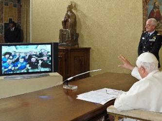 Un eco del espacio: Benedicto XVI entrevista a 12 astronautas